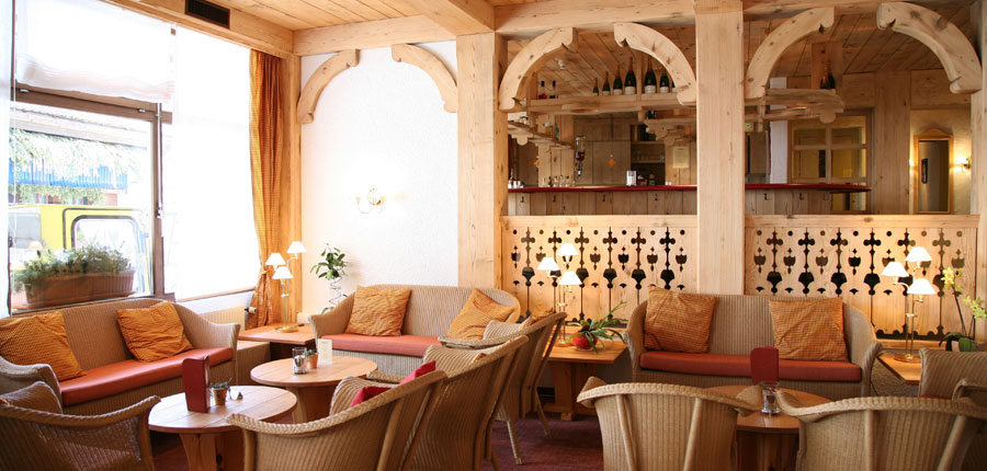 Switzerland_Wengen_Hotel-sunstar-alpine_Lounge.jpg